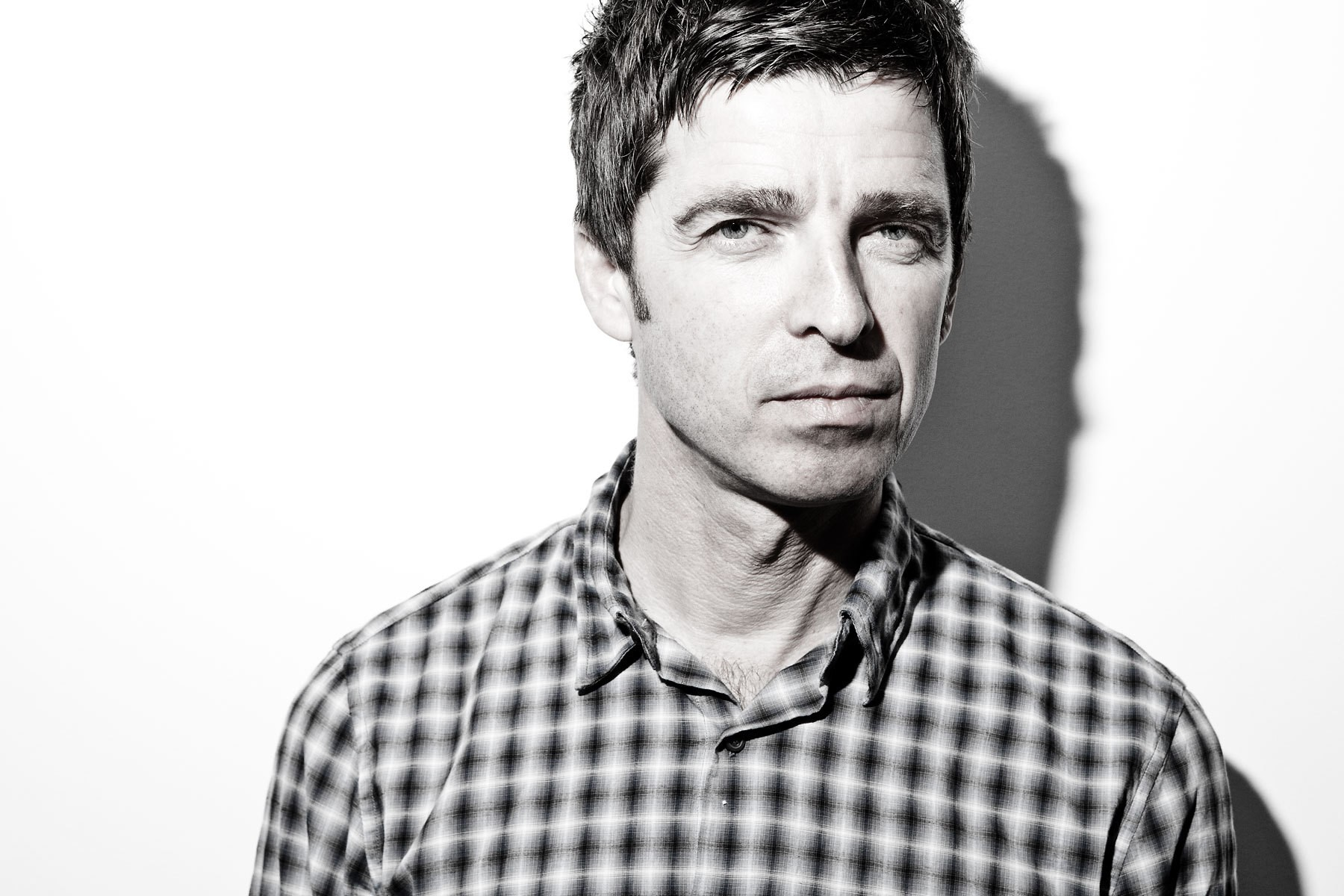 NOEL GALLAGHER tinnitus acúfenos