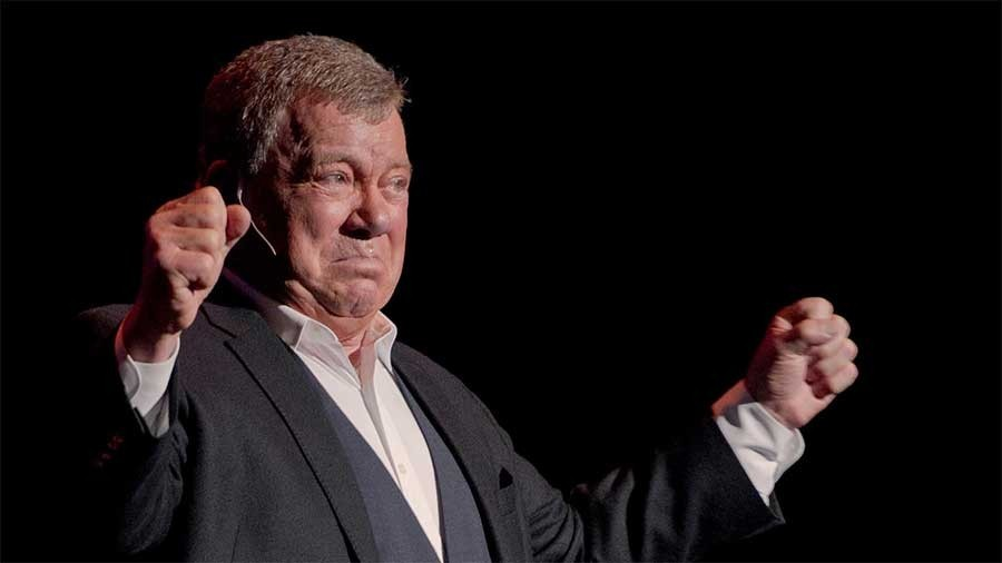 William Shatner acúfenos tinnitus