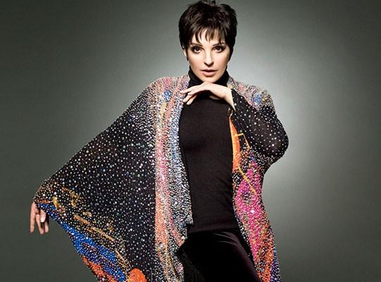 Liza Minnelli acufenos